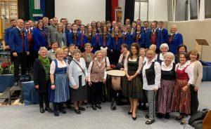 Goldhaubengruppe Thalheim spendete € 2.500,- an Trachtenmusikkapelle